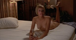 Victoria Tennant sexy Claudia Stenke nude topless Best Seller 1987 1080p Web 2