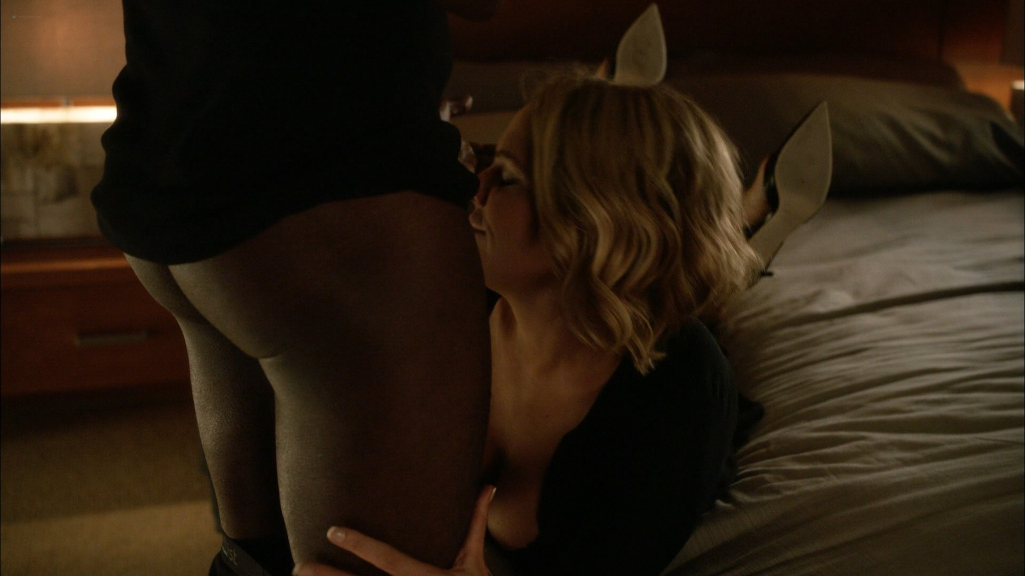 Alicia Witt topless Kristen Bell Valorie Curry and other sex and hot House of Lies 2015 S4 1080p Web 17
