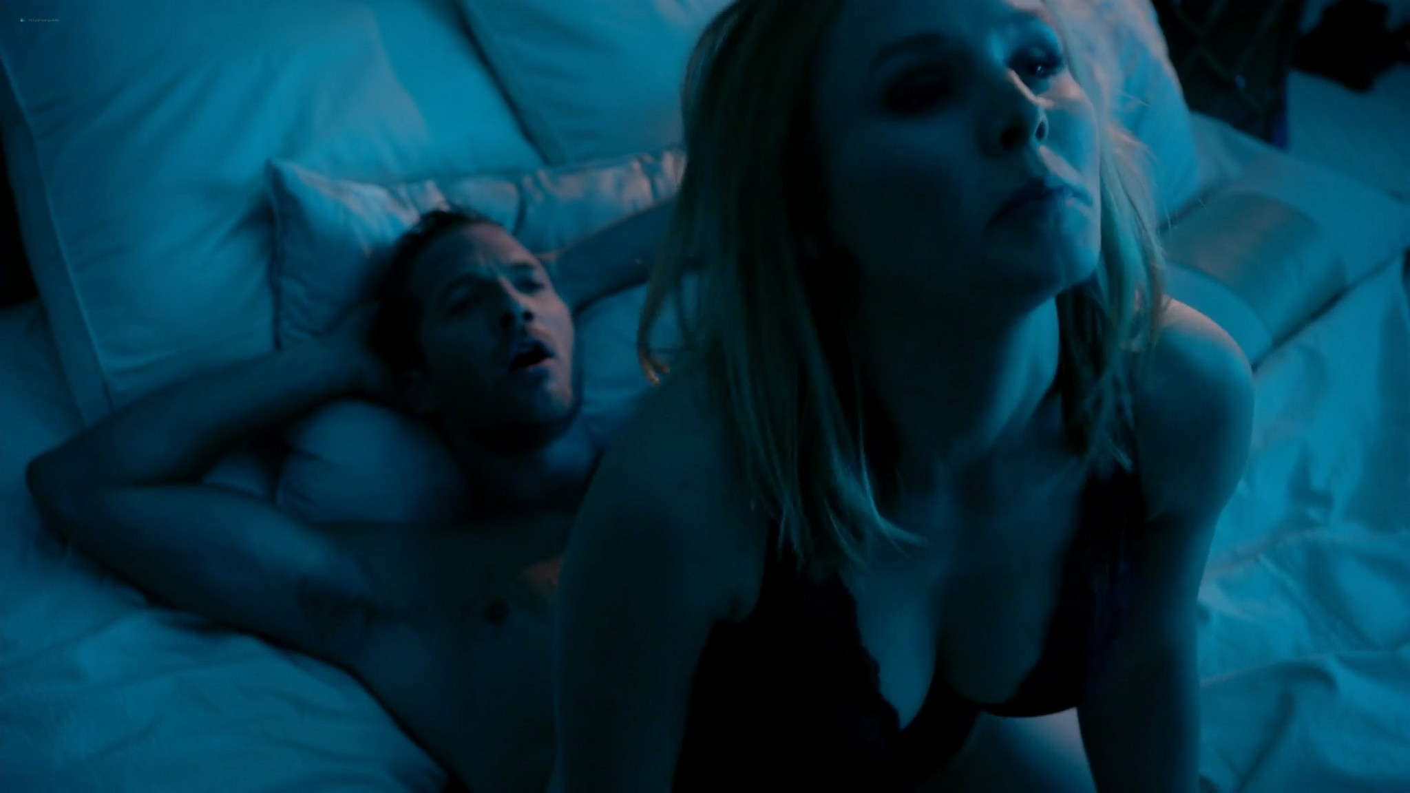 Kristen Bell hot and some sex House of Lies s03 2014 1080p Web 2