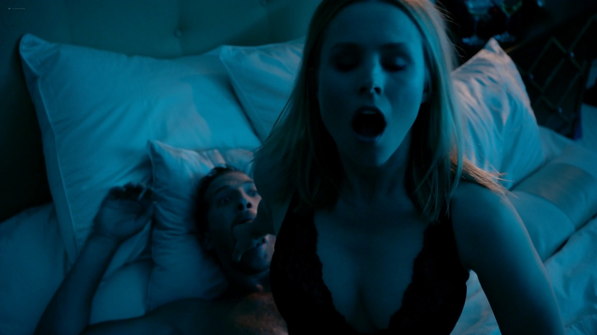 Kristen Bell hot and some sex House of Lies s03 2014 1080p Web 4