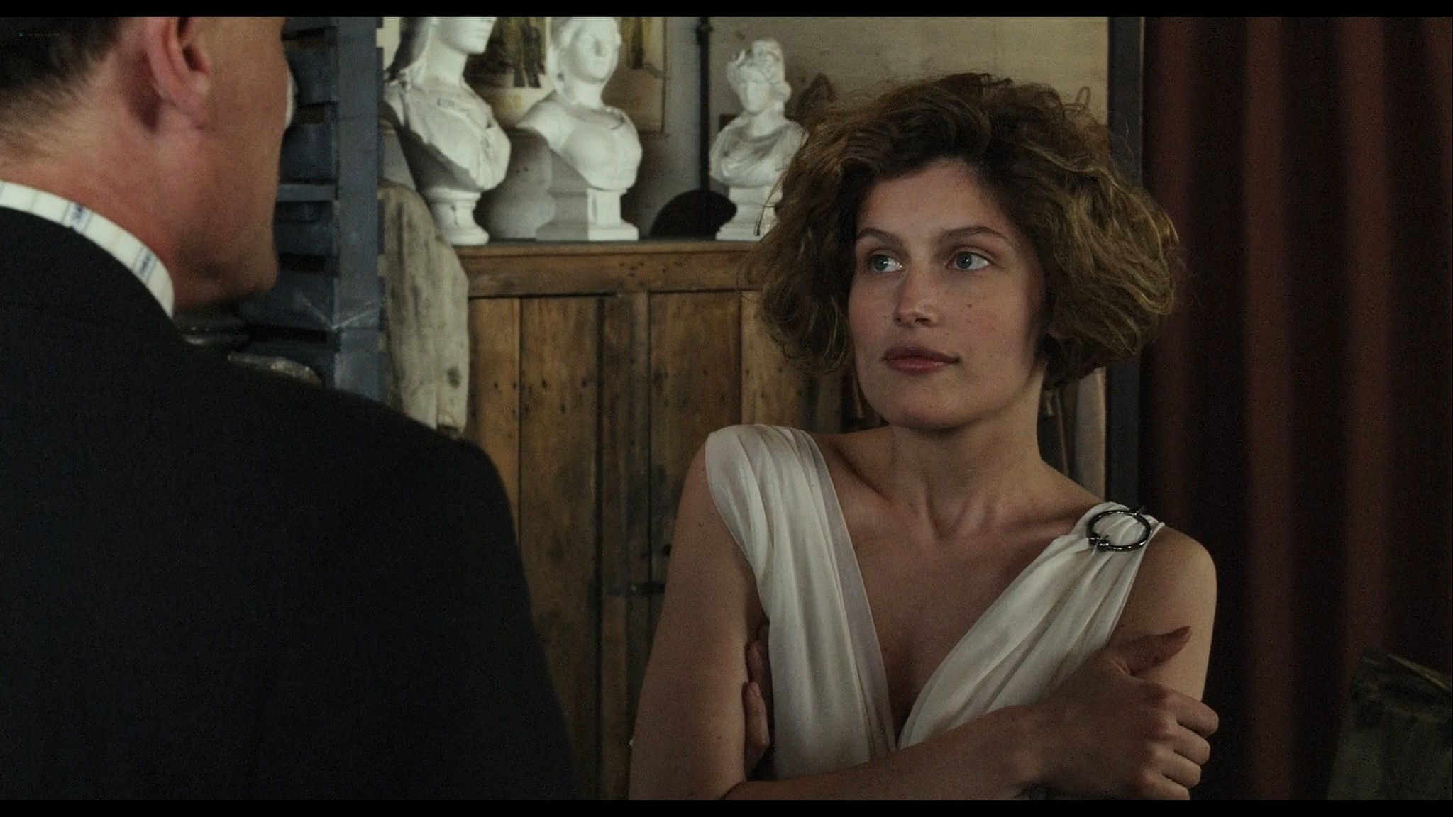 Laetitia Casta nude topless and very hot La jeune fille et les loups 2007 HD 1080p BluRay