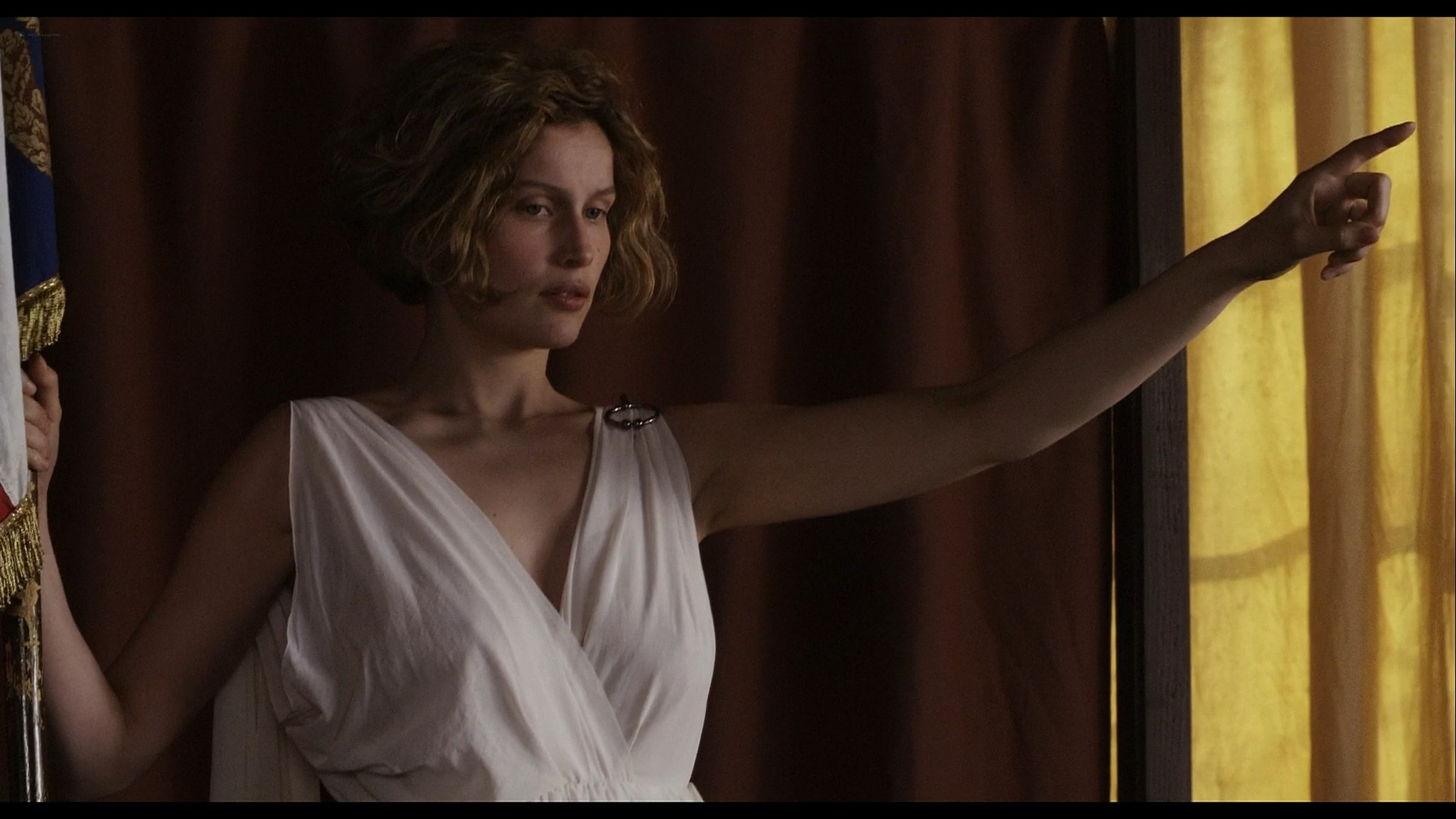 Laetitia Casta nude topless and very hot La jeune fille et les loups 2007 HD 1080p BluRay 3