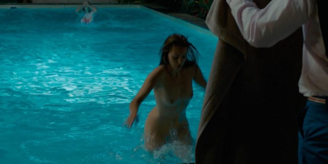 Alicia Endemann nude Valerie Karsenti and Deeborah Francois sexy Ma Famille t adore deja 2016 1080p Web 11
