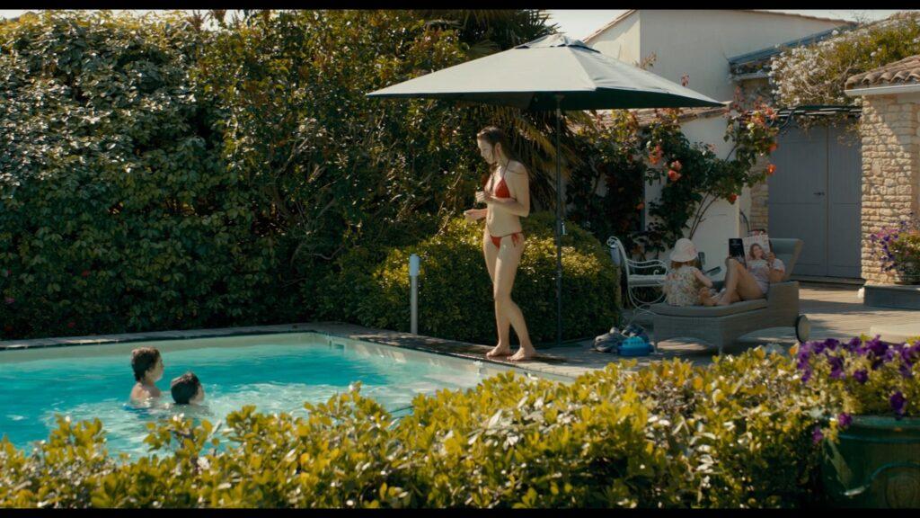 Alicia Endemann nude Valerie Karsenti and Deeborah Francois sexy Ma Famille t adore deja 2016 1080p Web 4