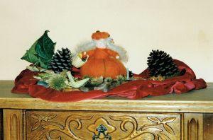 Pompoenvrouwtje Op Herfsttafel