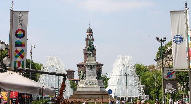O Expo Gate, na Piazza Castello, é o portão de entrada para os visitantes da Expo 2015