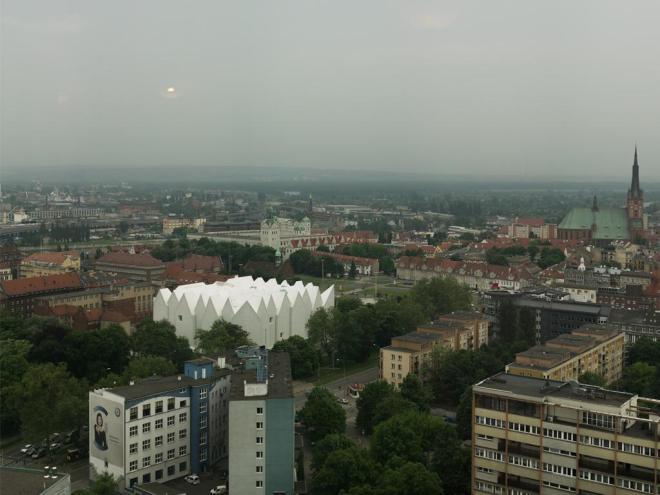 Visão panorâmica da nova casa da Filamônica de Szczecin, na Polônia   Foto: Simon Menges/Prêmio de Arquitetura da União Europeia