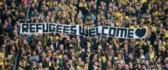 Torcedores alemães dão boas-vindas aos refugiados. O ZOROPEANDOtira o chapéu para vocês, amigos