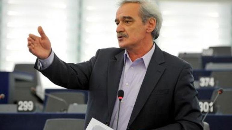 Ν. Χουντής: «Κανένα σπίτι στα χέρια τραπεζίτη»
