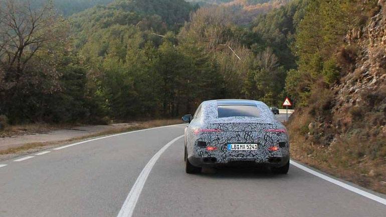 Έφθασε η ώρα του super coupe της Mercedes