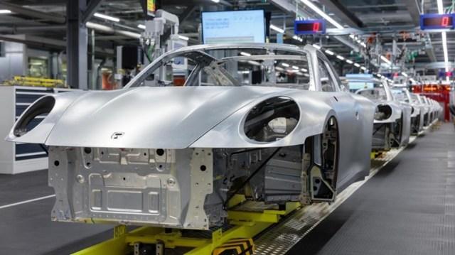 Η μεγαλύτερη κρίση στην ιστορία της αυτοκινητοβιομηχανίας