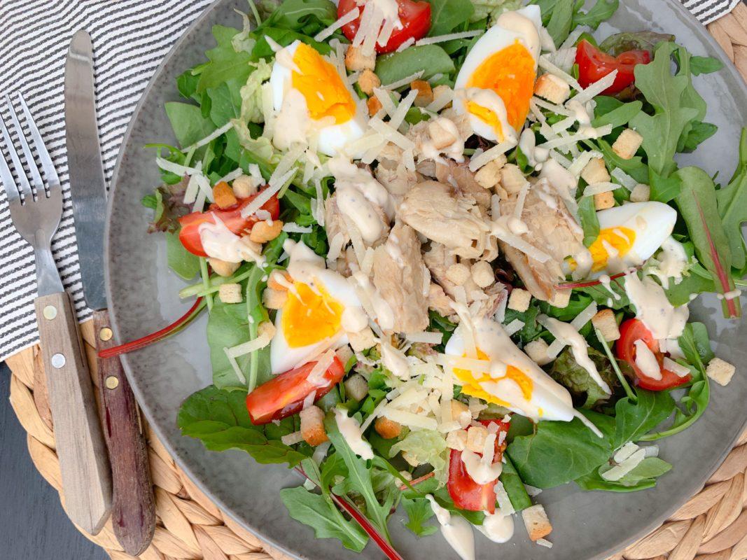Zomerse Caesar salade met makreel