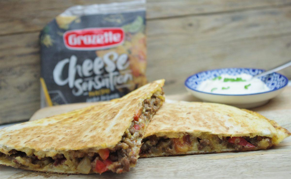 Quesadilla's met gehaktvulling en geraspte kaas