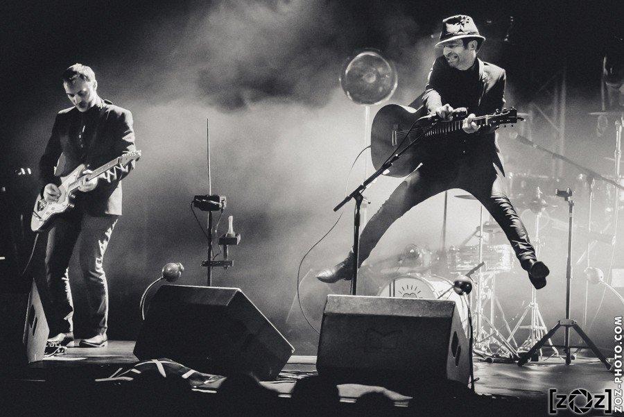Dionysos en concert à Château Rouge (Annemasse), le 8 octobre 2016.