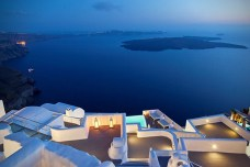 Katikies-Hotel-in-Santorini-Greece-13