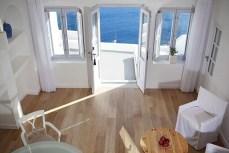Katikies-Hotel-in-Santorini-Greece-9