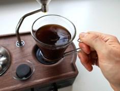 barisieur-alarm-clock-and-coffee-brewer-joshua-renouf-designboom-16