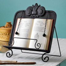 Metal Architectural Cookbook Stand, 29 dolárov, http://www.maisonclassique.com/cookbook-stand-2769070
