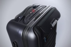 Bluesmart-Smart-Carry-On-Suitcase-4