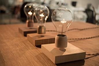 Flyte-Levitating-Light-Bulb-1