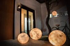 Luna-Moon-Lantern-2