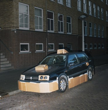 max-siedentopf-pimps-out-cars-at-night-with-cardboard-and-tape-designboom-10