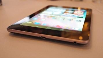 Nexus 7: fino e cabe em uma mão