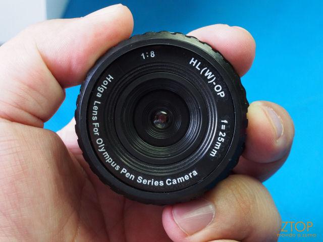 Holga_Lens_na_mao