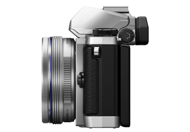 OMD_EM5_SILVER_lens_in