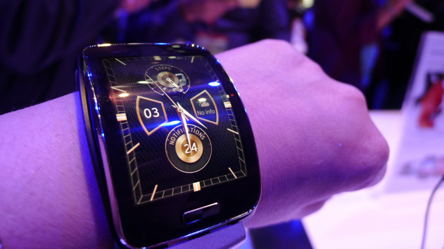samsung galaxy gear S - 4