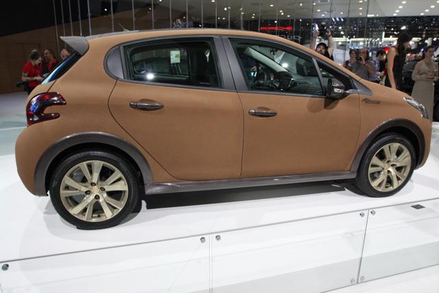 Peugeot_208_Natural
