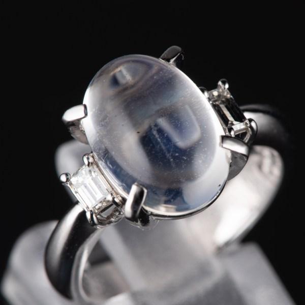 スリーストン ブルームーンxダイヤモンド プラチナリング Bm: 4.73 ct D: 0.3ct Pt900