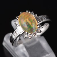 メキシコオパールxダイヤモンド プラチナリング MO: 1.88 ct D: 0.82ct Pt900