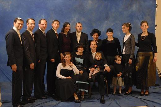 Hannah Pick (4. von rechts) mit ihrer Familie im Januar 2008