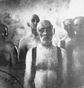 Eine Gruppe von Juden in Chełmno, kurz ihrer Tötung in der Gaskammer