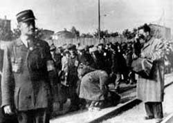 Jüdische Polizisten bei der Bewachung von Häftlingen