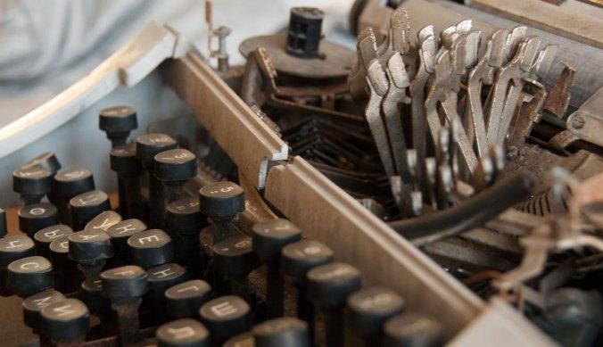 tallin-prison-russian-keyboard-cyrillic-typewriter