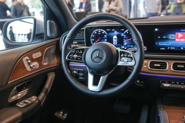 Mercedes Benz GLE   Author: Sasha Despot