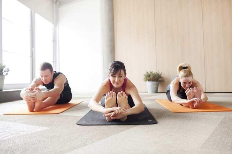 ZUSAMMENSPIEL Yogakurs als Betriebsausflug