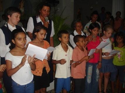 Vorming koortjes en muziekgroepjes om de liturgie op te luisteren