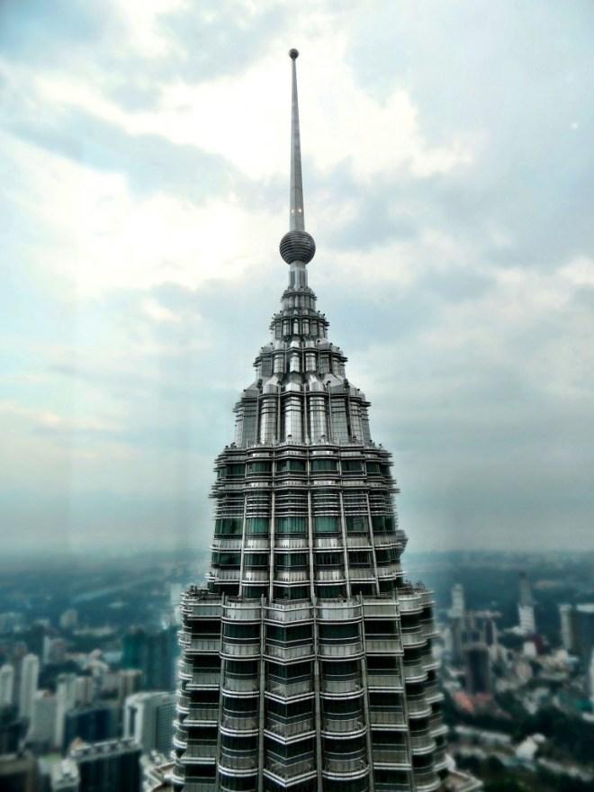 Vom Gipfel des einen Towers die Sicht auf den Gegenüberliegenden Turm
