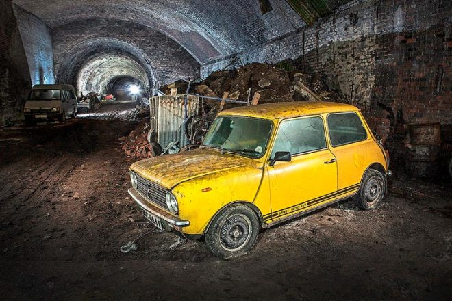 Charlie-Magee-urbex-liverpool-old-cars-14