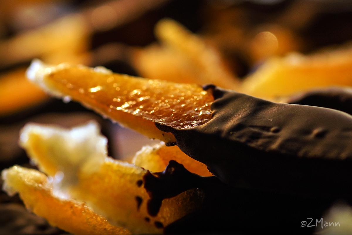 z widokiem na stół   skórka pomarańczowa w czekoladzie