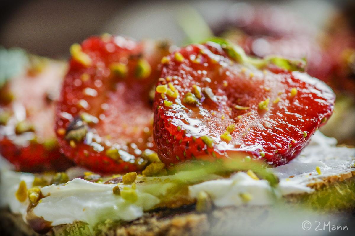 z widokiem na stół | truskawkowo szparagowy lunch