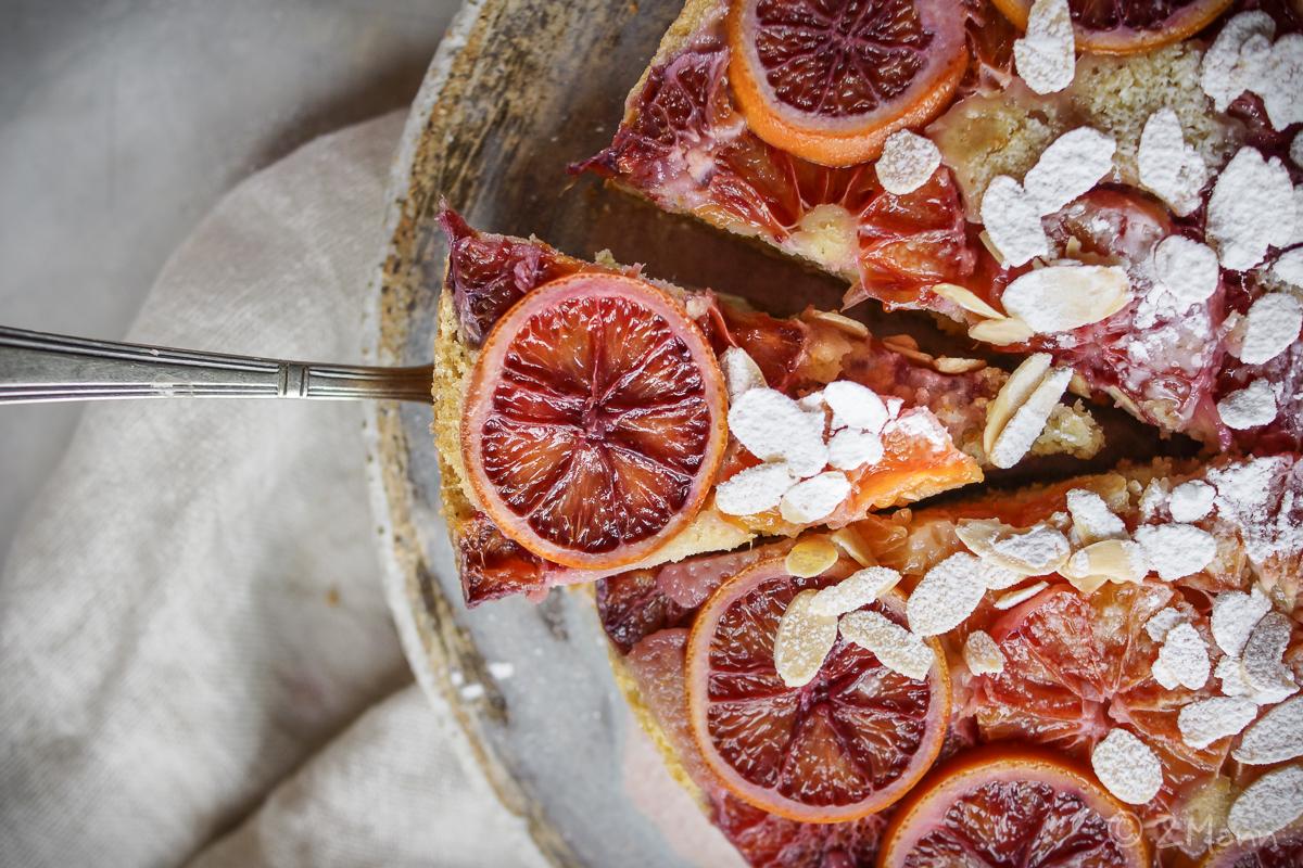 z widokiem na stół | odwrócone ciasto z pomarańczami