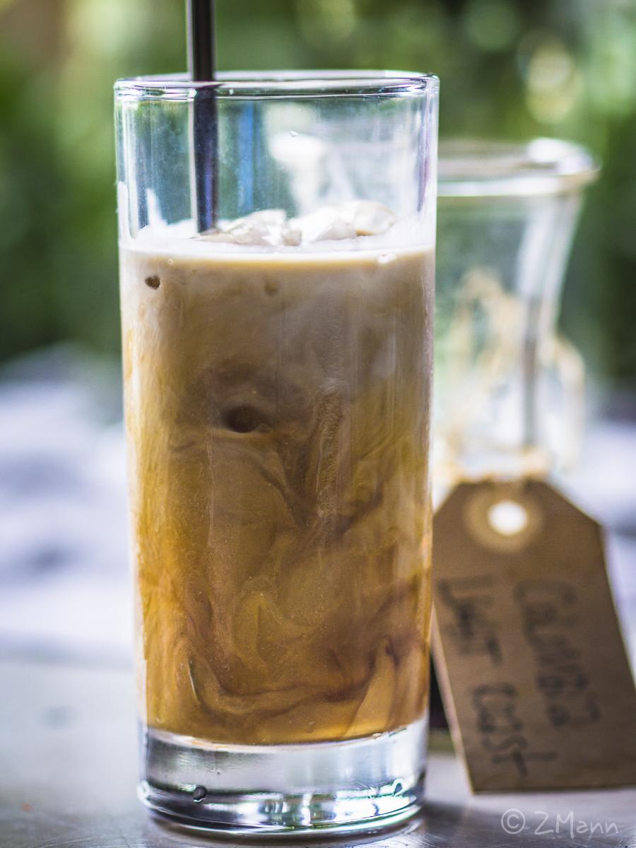 z widokiem na stół | cold brew coffee COCO LATTE