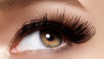 Permanent Eyeliner Make-Up Offers 'Born With it' Beauty