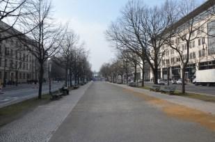 Berlin aleja Unter den Linden i Brama