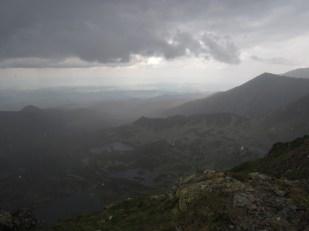 Burza z gradem pod Świnicą (na grani) Tatry