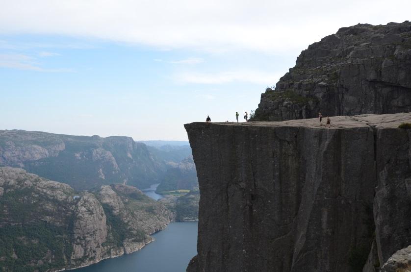 Na krawędzi Preikestolen Norwegia